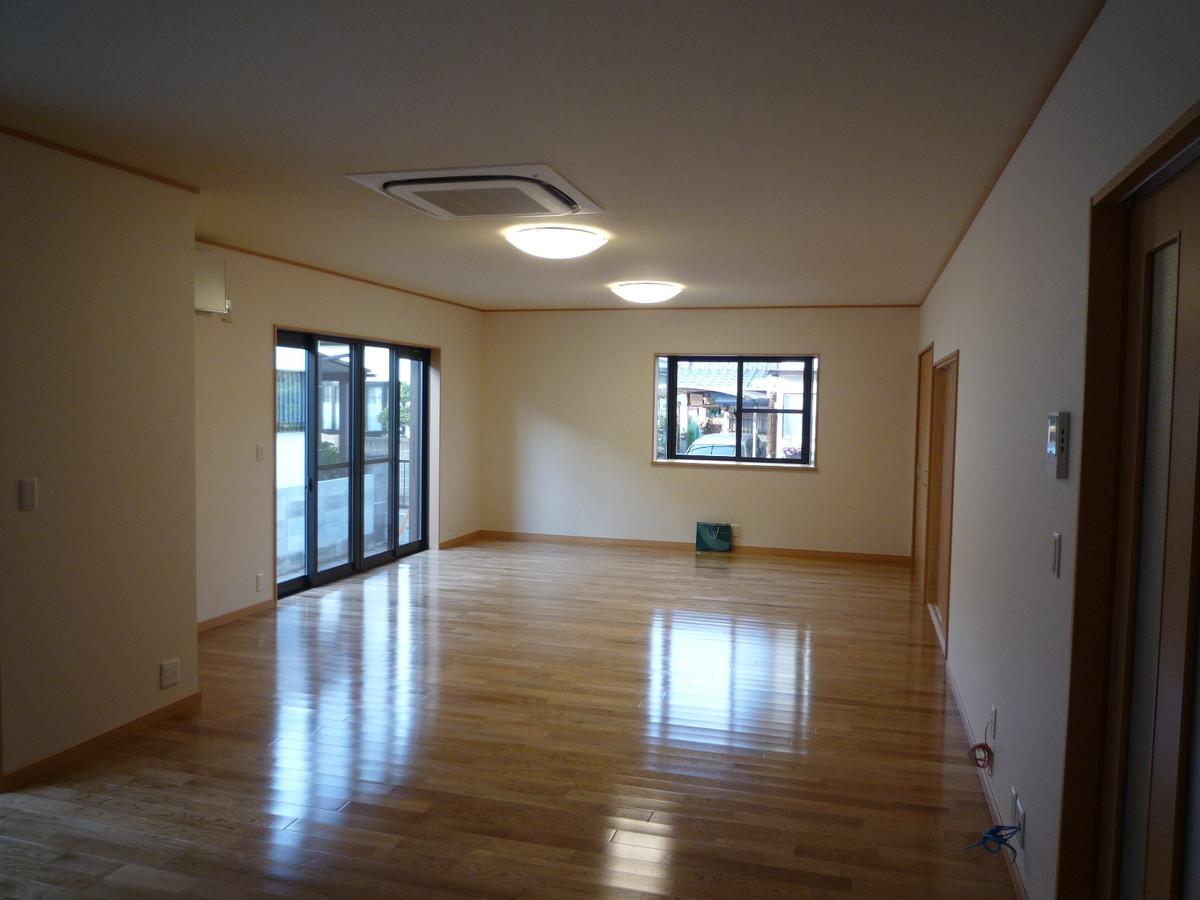 居間食事室 (1)