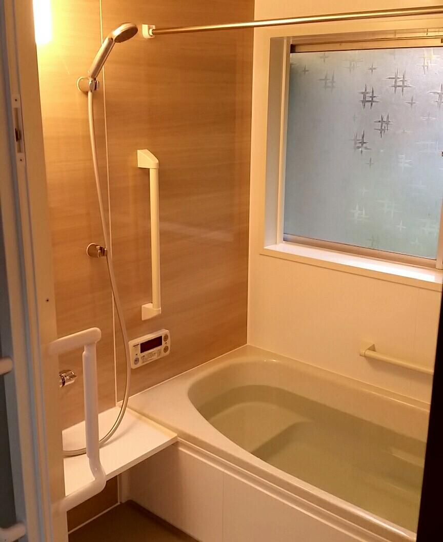 お風呂リフォーム ユニットバス 床板張替え 洗面化粧台 洗濯機 広くて浅い浴槽